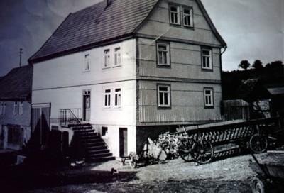 """Das """"alte"""" Schüssler Haus mitten in der Gasse"""